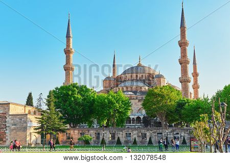 Istambul, Turkey-may 07, 2016 Beautiful Sultan Ahmed Mosque Is A Historic Mosque In Istanbul, Turkey