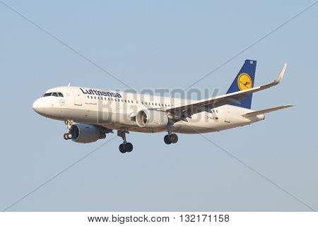 SAINT-PETERSBURG, RUSSIA - MARCH 28, 2016: Airplane Airbus A320-214 (D-AIUE) airline