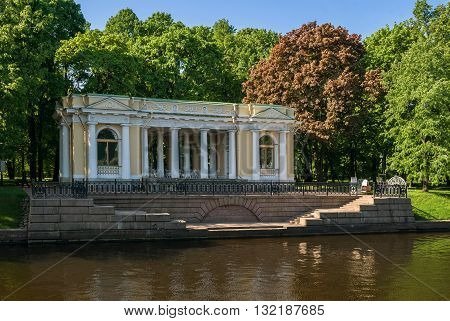Pavilion Rossi - a small pavilion in the Empire style, located in the center of Saint-Petersburg in the Mikhailovsky Garden.