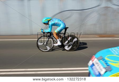 APELDOORN, NETHERLANDS-MAY 6 2016: Michele Scarponi of pro cycling team Astana during the Giro d'Italia prologue time trial.