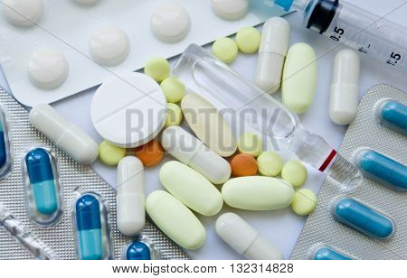 set, white, background, shape, soothing, closeup, object, round, medicine, treatment, pharmaceutical, medical, heap, pills, tablets, assortment, capsule, syringe, antibiotics