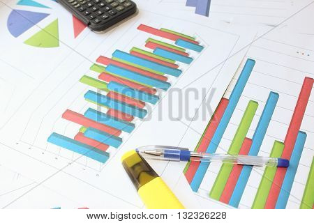 The data on the volumetric histogram. Different types of charts showing data