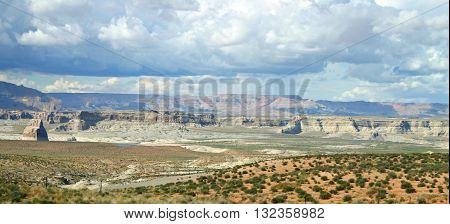 the wide expanse of the desert of northern Arizona near Glen Canyon
