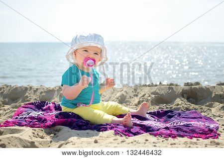 newborn beach sea background family holidays vacation