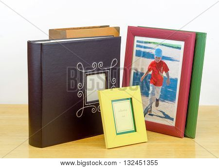 Photo frames and albums for printing services and photografic shop