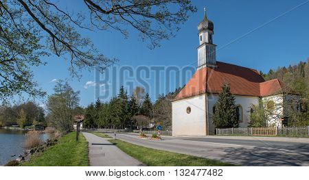 idyllic bavarian chapel with onion dome lakeside tegernsee upper bavaria
