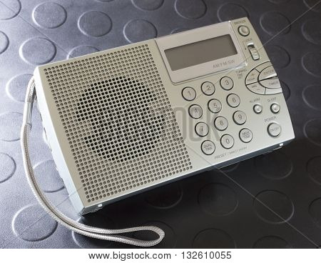 Battery powered radio that covers shortwave and broadcast bands