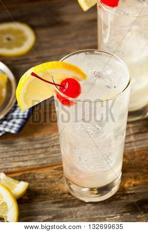 Refreshing Classic Tom Collins Cocktail