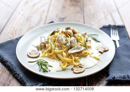 Tagliatelle vegetarian Pasta Dish with Mushrooms - Stock image
