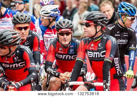 MELBOURNE, AUSTRALIA - FEBRUARY 1: Cadel Evans and team mates on the start line at the inaugral Cadel Evans Great Ocean Road Race