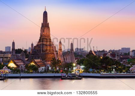 Arun Temple river front, Thailand Landmark, the most famous tourist destination in Bangkok Thailand
