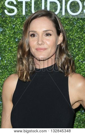 LOS ANGELES - JUN 2:  Erinn Hayes at the 4th Annual CBS Television Studios Summer Soiree at the Palihouse on June 2, 2016 in West Hollywood, CA