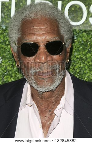 LOS ANGELES - JUN 2:  Morgan Freeman at the 4th Annual CBS Television Studios Summer Soiree at the Palihouse on June 2, 2016 in West Hollywood, CA