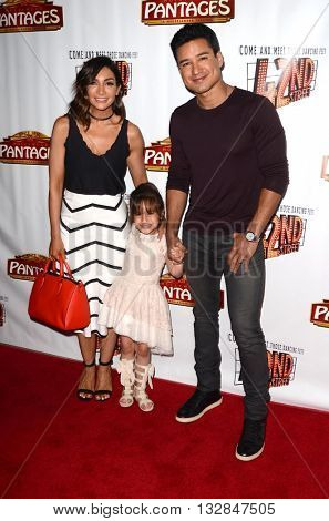 LOS ANGELES - MAY 31:  Courtney Mazza, Mario Lopez at the 42nd Street Play Opening at the Pantages Theater on May 31, 2016 in Los Angeles, CA