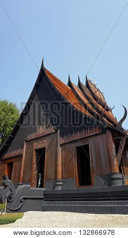 traditional thai houses in the lanna style