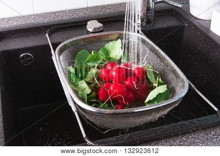 Rinse Vegetables With Water