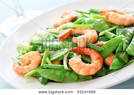 Salt and pepper shrimp with snow peas,Shallow Dof.