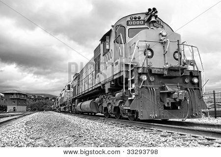 Diesel Electric Freight Train Engine Locomotives