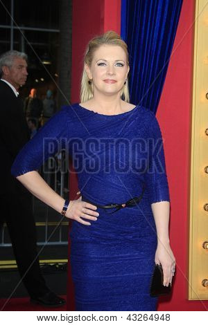 LOS ANGELES - MAR 11:  Melissa Joan Hart arrives at the World Premiere of