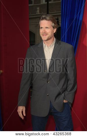 LOS ANGELES - MAR 11:  Cary Elwes arrives at the World Premiere of