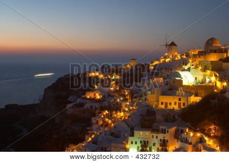 Traditional Greek Village, Oia, Santorini 3