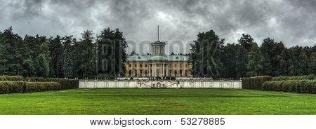 Grand Palace Of Arkhangelskoye