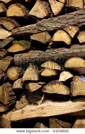 Stapel von Brennholz