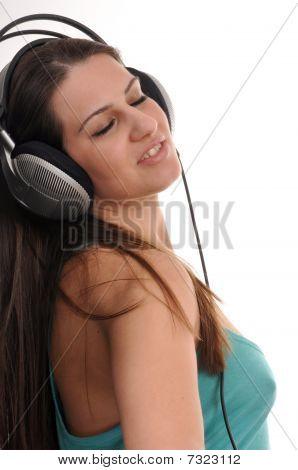 Escuchando la música