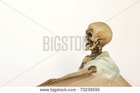 Skeleton figurine