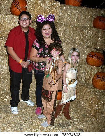 LOS ANGELES - OCT 4:  Rico Rodriguez, Raini Rodriguez, August Maturo, McKenna Grace at the RISE of the Jack O'Lanterns at Descanso Gardens on October 4, 2014 in La Canada Flintridge, CA