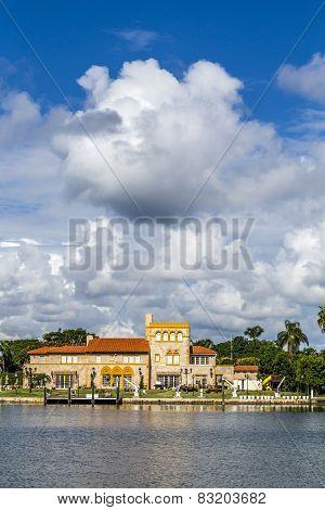 Villas At The Canal In Miami, Usa