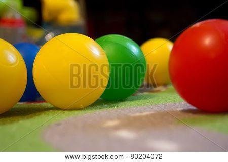 Colorful Balls Diag/ Colorful Balls Closeup