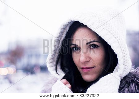 Pretty Woman Under The Hood