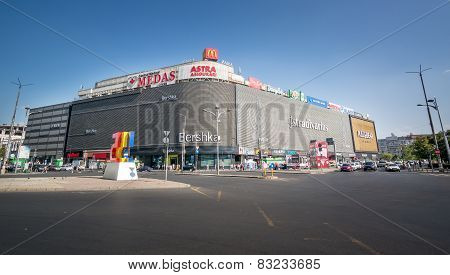 Bucharest, Romania - August 27, 2014: Unirea Shopping Center In Bucharest, Romania. Opened In 1976
