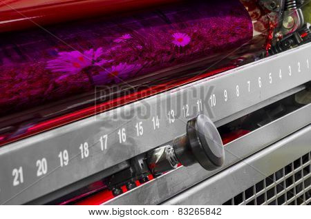 Printing machine red color roller