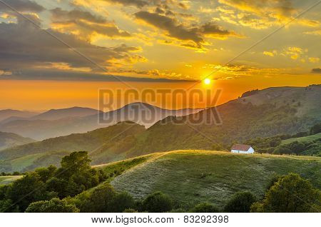 Majestic sunset above the mountains