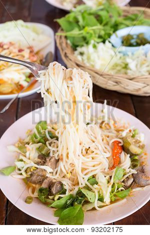 Knomjean, Thai Rice Vermicelli Served With Curry On Wood Table