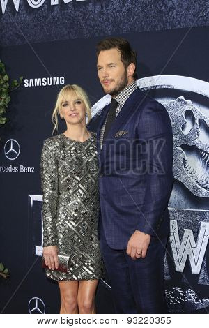 LOS ANGELES - JUN 9:  Anna Faris, Chris Pratt at the