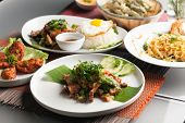 Постер, плакат: Authentic Thai Food Dishes