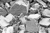 picture of palladium  - Pices of broken catalytic converter - JPG