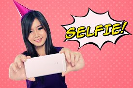 picture of japan girl  - Fun illustration of self shot photo trend - JPG