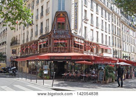 PARIS, FRANCE - AUGUST 5, 2016: View of a restaurant in Paris 1st arrondissement near les Halles