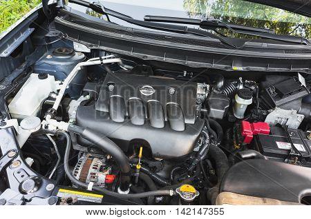Modern Nissan X-trail Suv Car Undersquare Engine