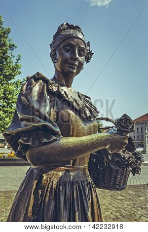 Flower Girl Bronze Statue