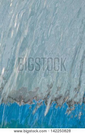 A continuous flow of water flows in the pool