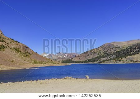 The Beautiful Saddlebag Lake
