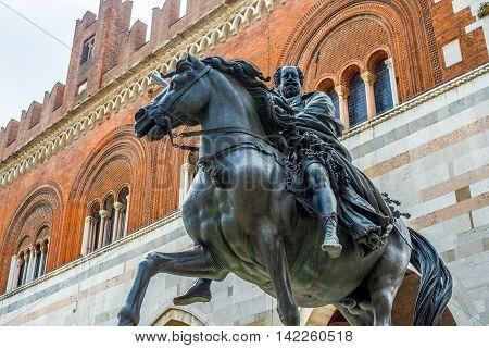 Palazzo Gotico And Statue Of Ranuccio Farnese. Piacenza, Emilia-