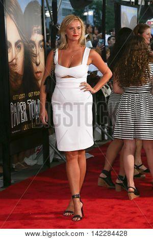 NEW YORK-JUL 21: Model Kimberly Kloss attends the