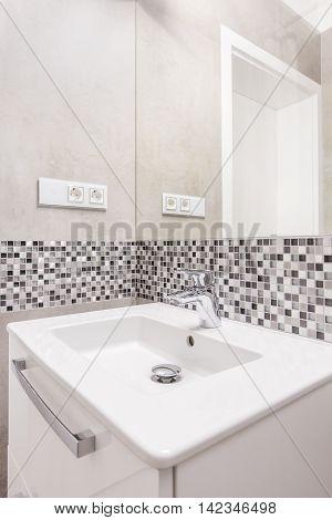 Square Ceramic Washbasin