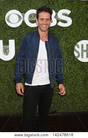 LOS ANGELES - AUG 10:  Joey McIntyre at the CBS, CW, Showtime Summer 2016 TCA Party at the Pacific Design Center on August 10, 2016 in West Hollywood, CA
